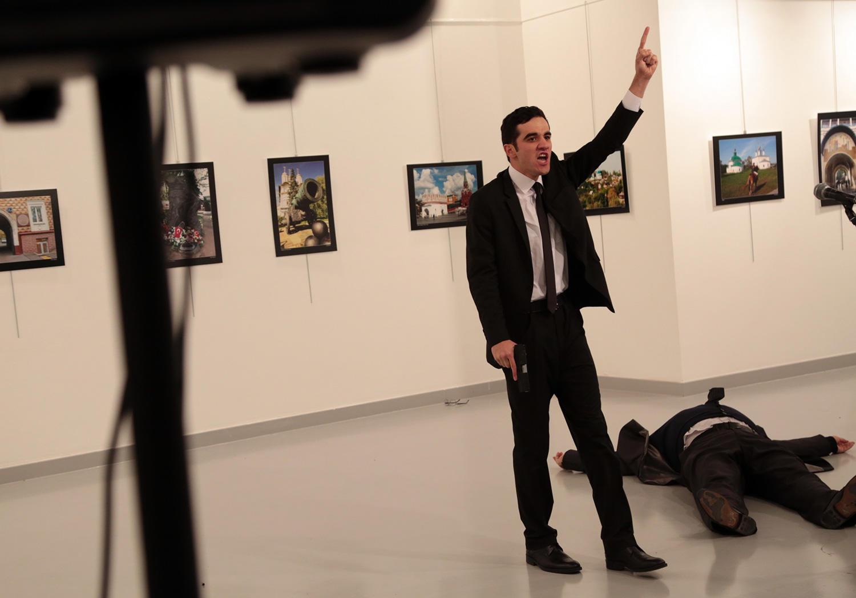 В Турции убит посол России