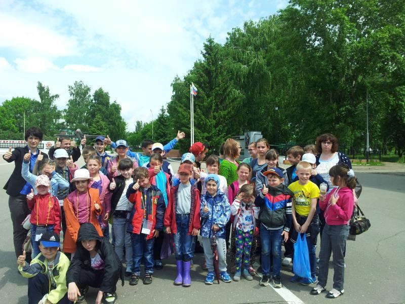 В школах Ртищева остоялось открытие летних лагерей