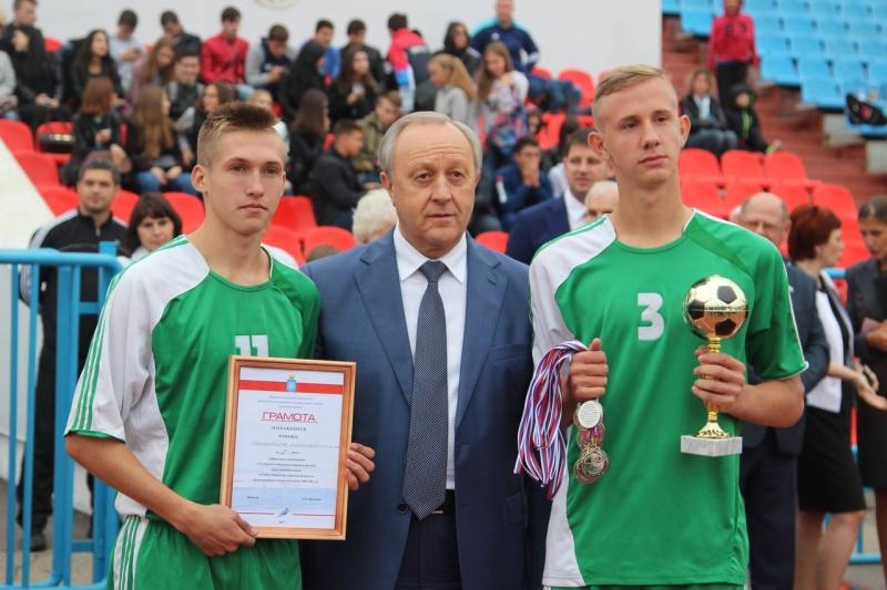 Состоялись финальные игры по дворовому футболу на Кубок Губернатора