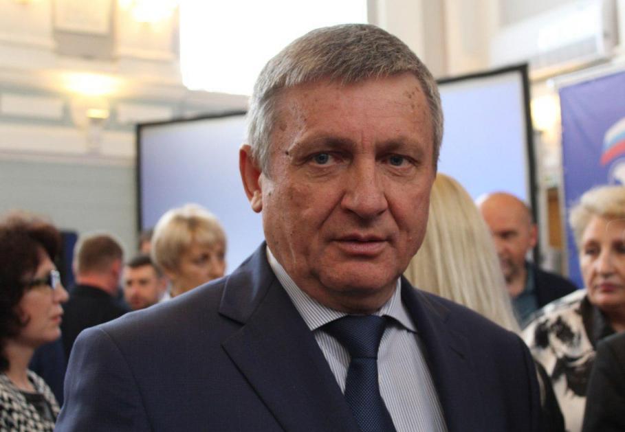 Глава Ртищевского района Александр Санинский досрочно сложил полномочия