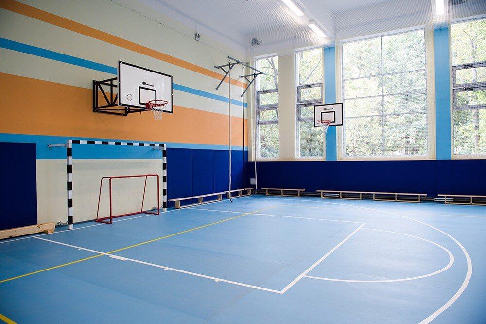 Глава сельского района поблагодарил Валерия Радаева за восстановленный спортзал