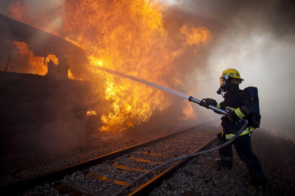 Пожар в тепловозе унес жизни нескольких человек