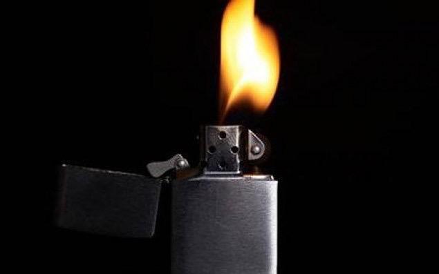 В Аткарске квартира могла сгореть из-за игравших с зажигалкой детей
