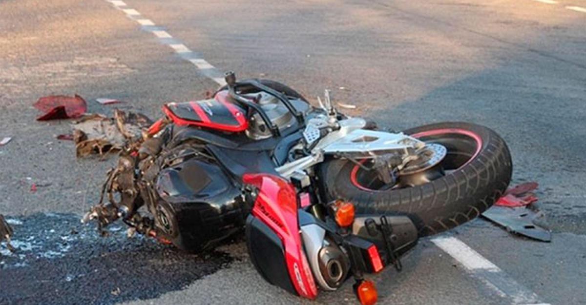 Суд ужесточил наказание водителю, сбившего мотоциклиста с ребенком