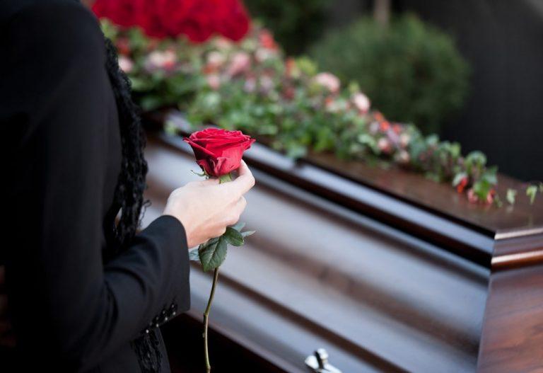Райадминистрация пообещала помочь похоронить погибших на пожаре детей