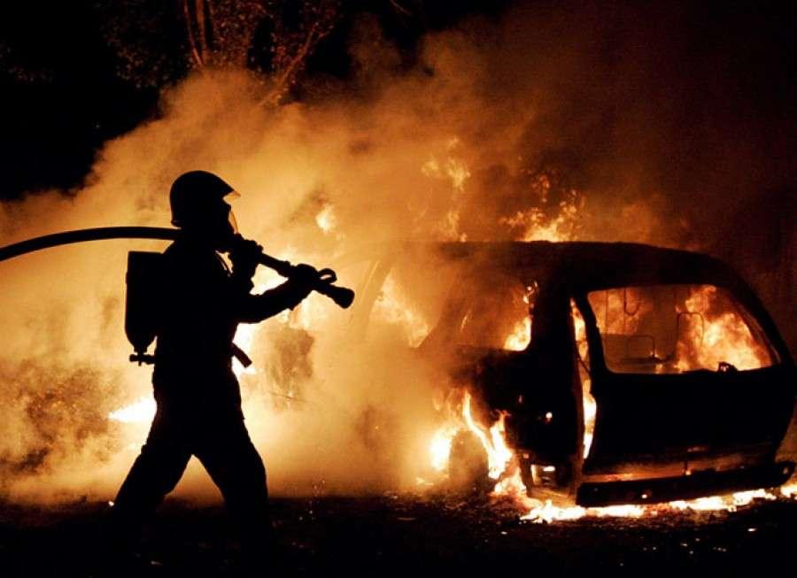 Ночью в Аркадаке сгорел автомобиль