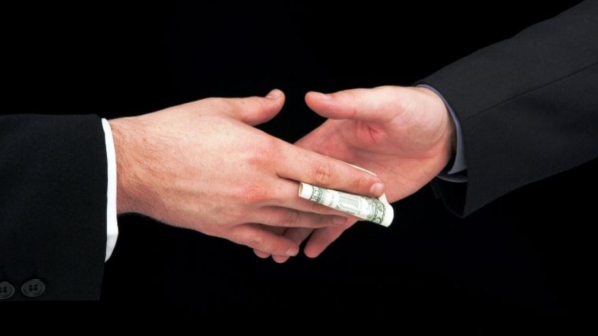 В Саратовской области за год сумма взяток выросла в 56 раз
