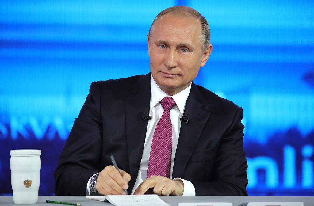 Путин подписал закон о праве супругов составлять совместные завещания