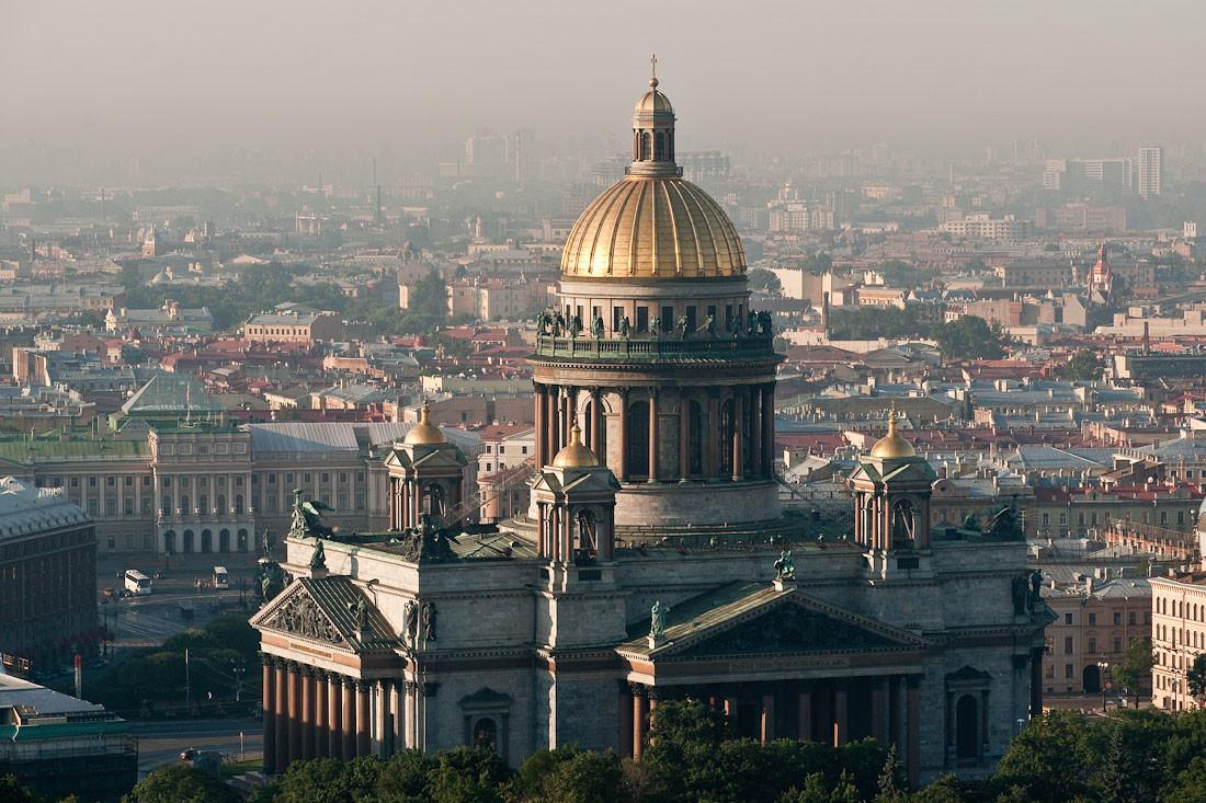 Петербургская епархия не планирует помогать семье погибшей в ДТП женщины