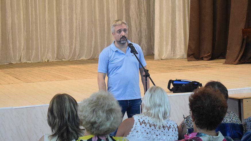 Жители рассказали Евгению Примакову о проблемах Ртищевского района