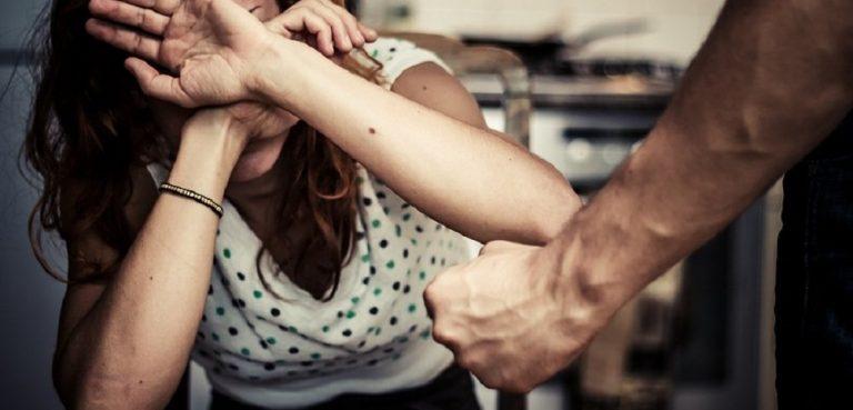 В Аркадаке мужчина до смерти избил загулявшую возлюбленную