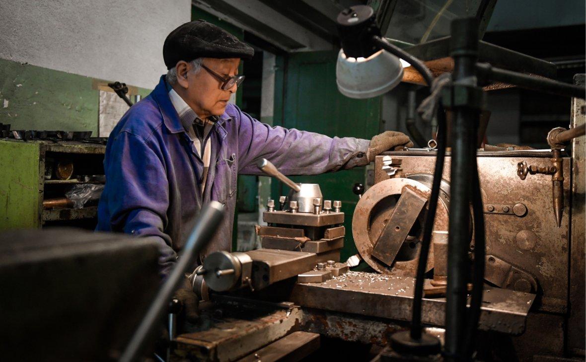 Сбербанк: доход работающих пенсионеров выше, чем в среднем по экономике