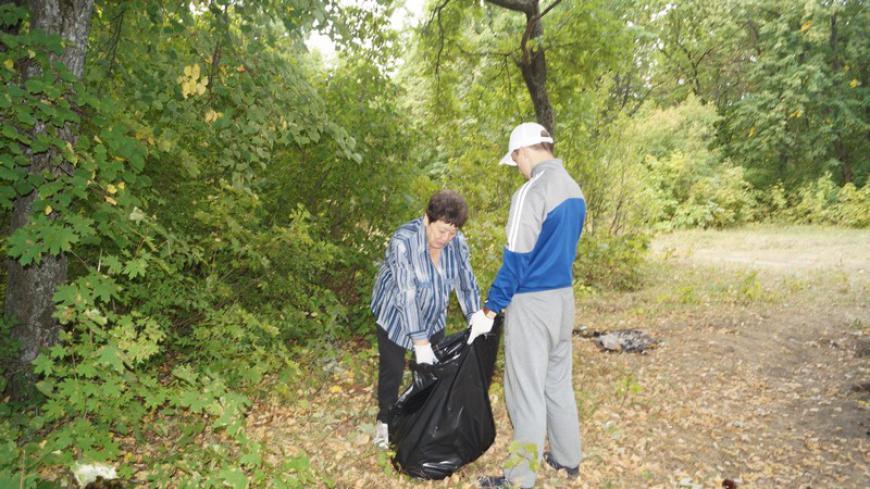 Ветераны «БОЕВОГО БРАТСТВА» поддержали акцию уборки лесопарка в Ртищево