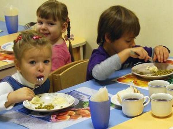 Детсадовцев кормили опасными продуктами