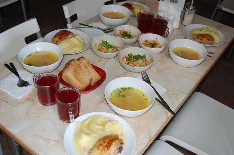 Депутаты госдумы тратят на обед 200 рублей