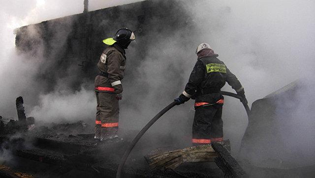 В Ртищевском районе сгорело нежилое здание