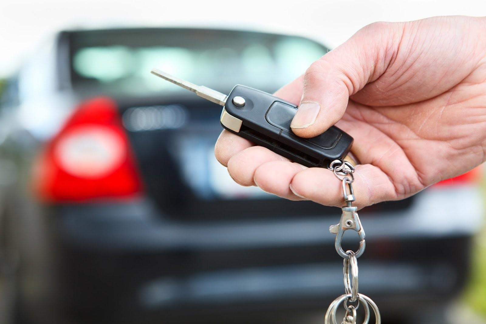 Октябрьское муниципальное образование получило три автомобиля