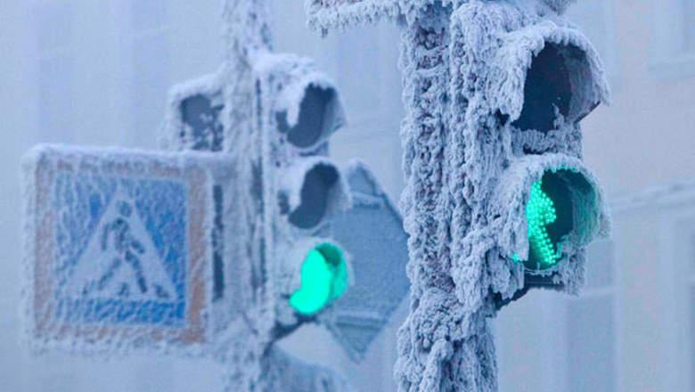 Из-за снегопада заблокирован подъезд к селам