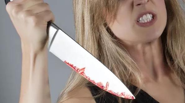 Женщина зарезала сожителя и села на 7 лет