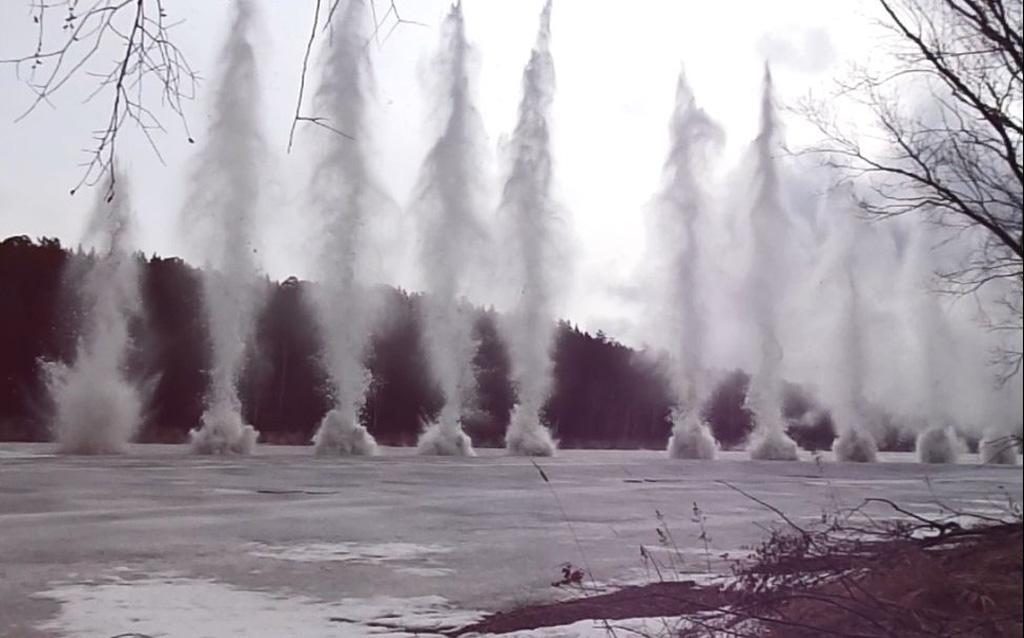 В области начались взрывные работы на реках
