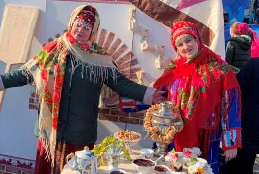 На Театральной площади Саратова прошла презентация Ртищевского района
