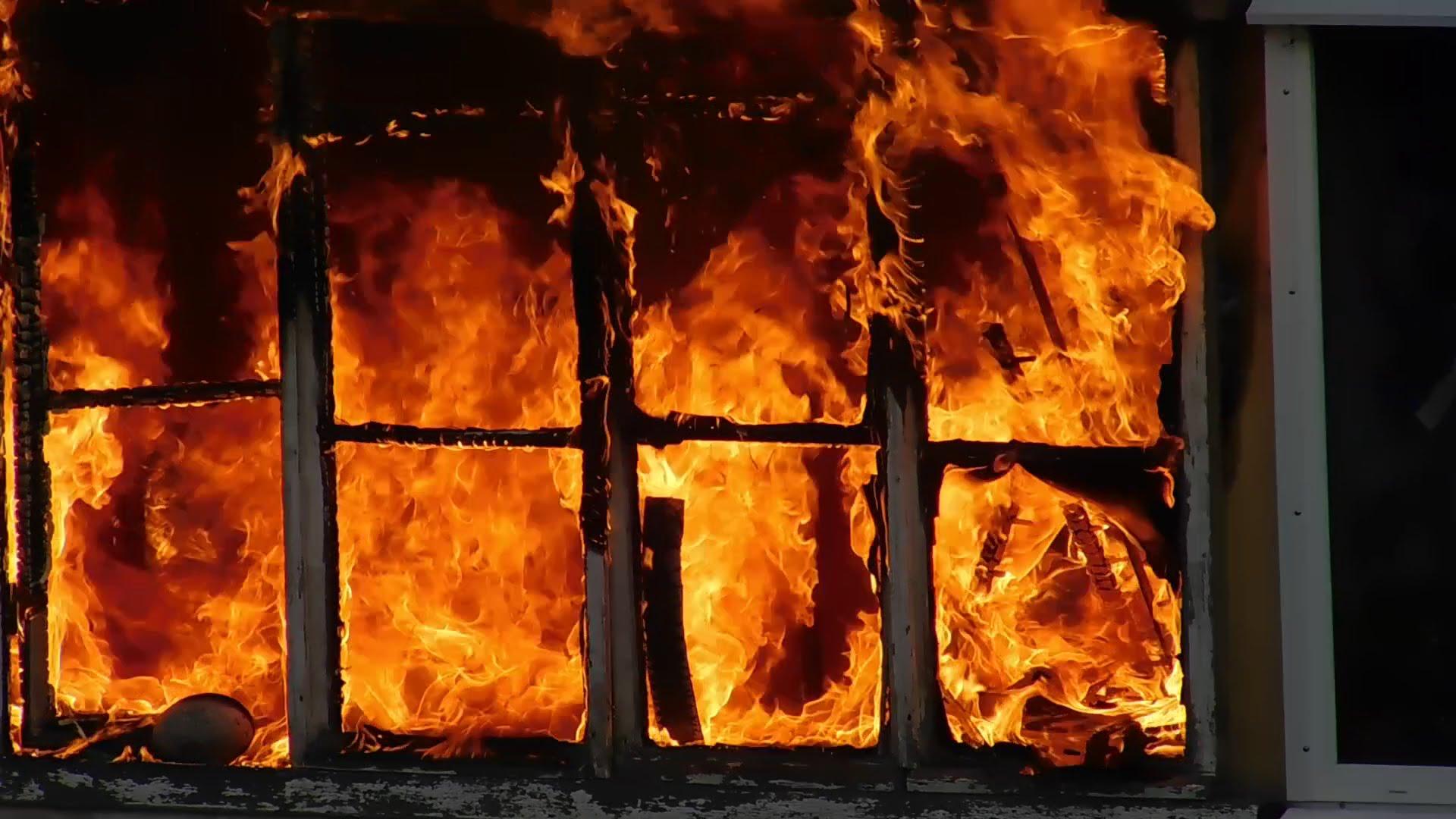 В с. Крутец полностью выгорел жилой дом