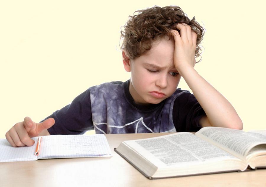 Роспотребнадзор назвал норму для выполнения домашних заданий