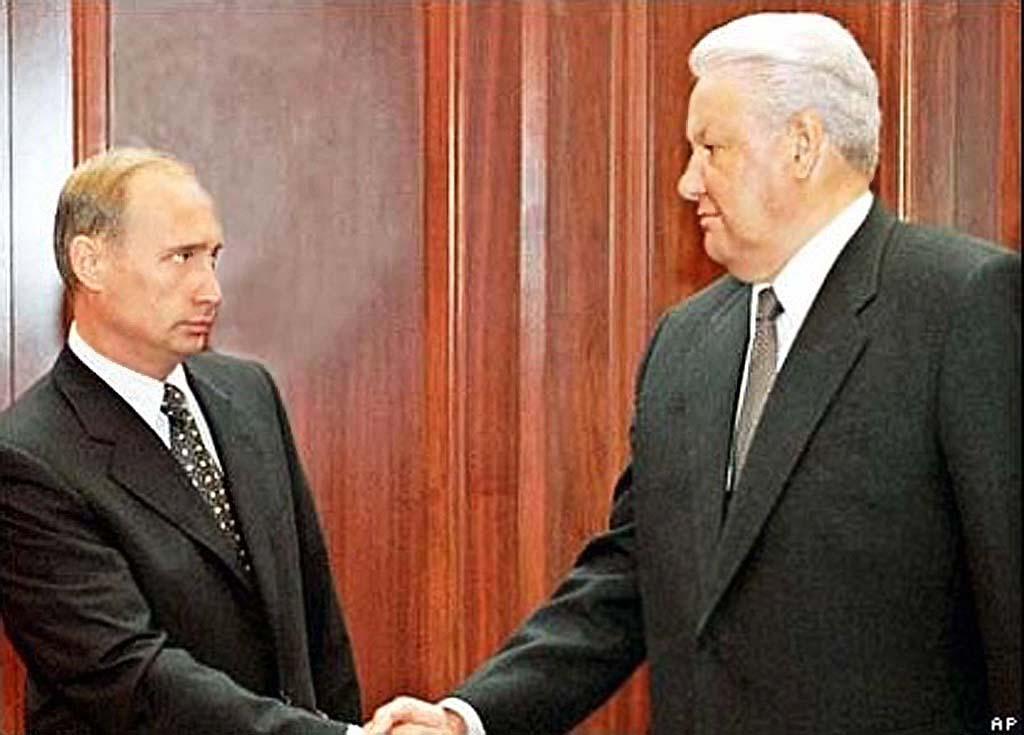 За уничтожение Российского государства Ельцину построили грандиозный памятник