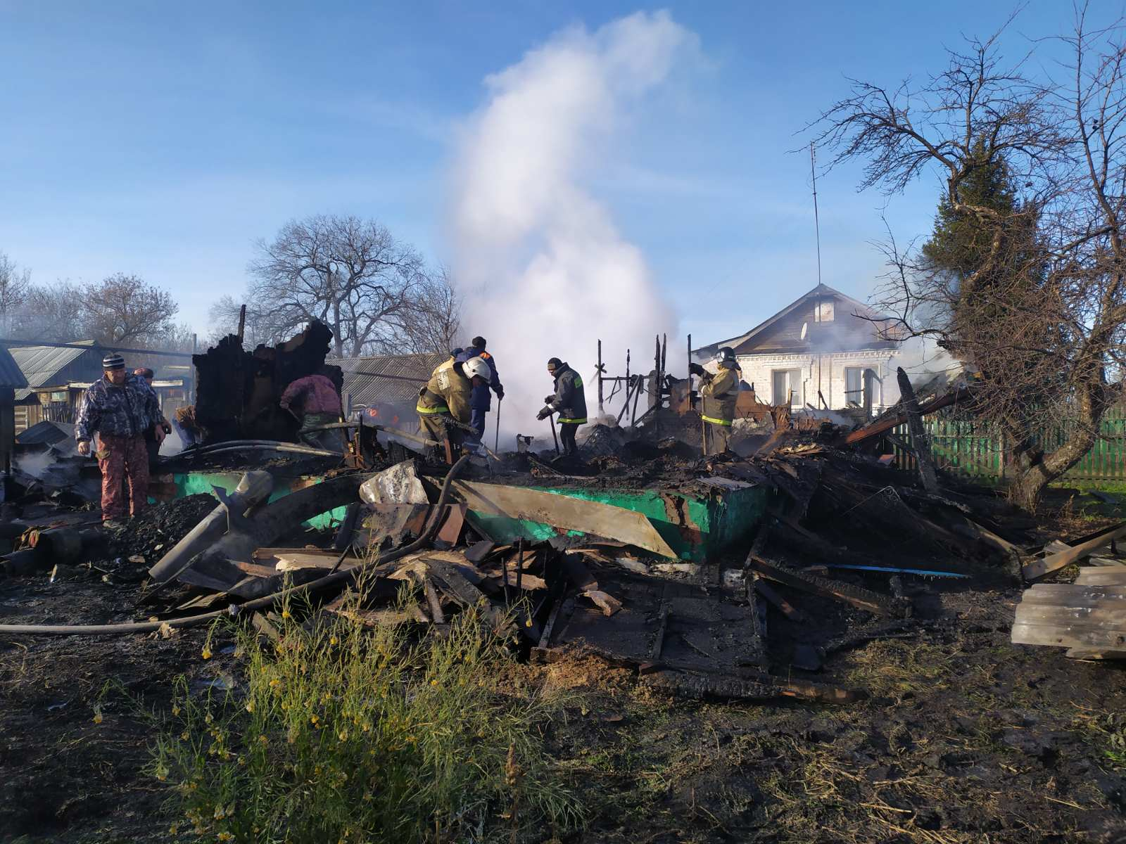 На пожаре в частном доме погибли двое маленьких детей