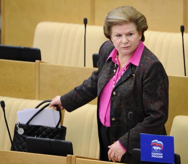 Терешкова предлагает дать возможность президенту переизбираться на новый срок