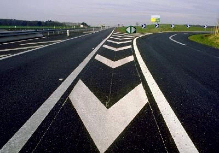 В Ртищевском районе нанесли разметку на 51 км дорог