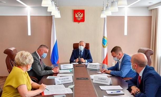 Губернатор обсудил с главой Ртищевского района ремонт дорог