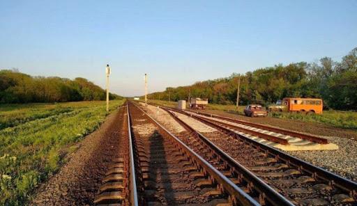 В Ртищевском районе солдат выпал из поезда и погиб
