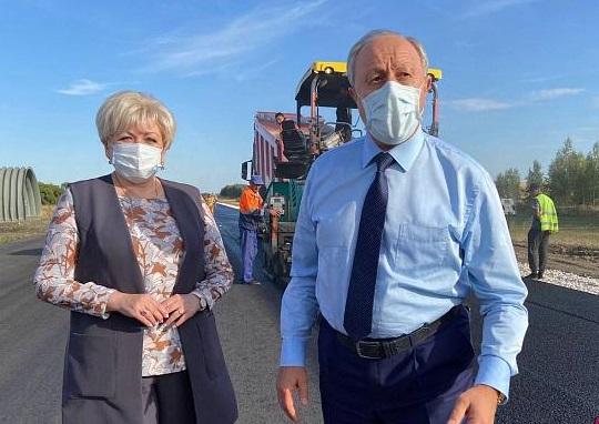 Губернатор высоко оценил качество дороги в Ртищевском районе