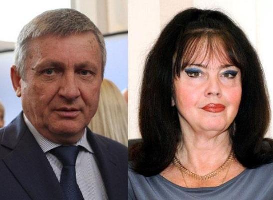 Санинский отказался от председательства в комитете ЖКХ, а Лосина от депутатства