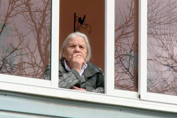 Режим самоизоляции для пожилых продлен до 18 января