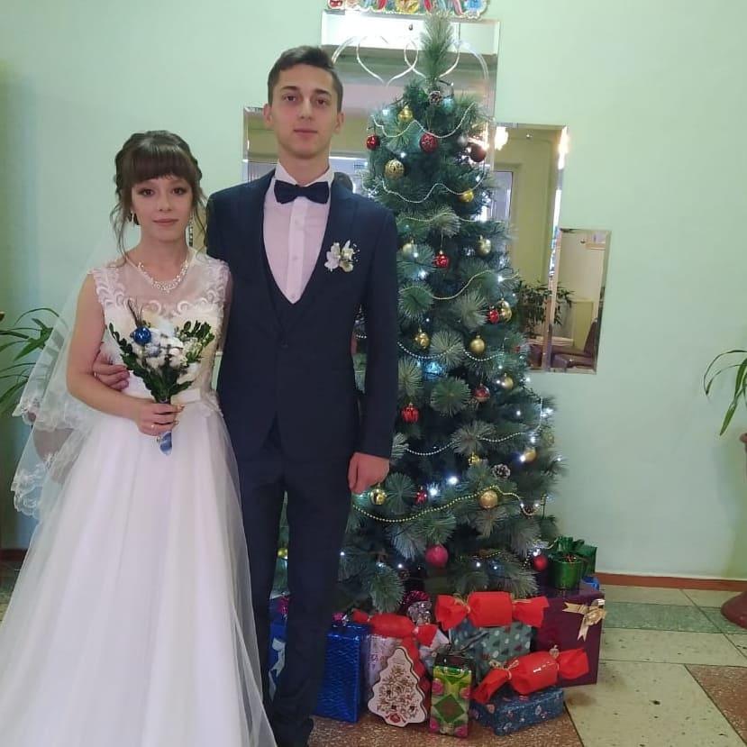 В ртищевском ЗАГСе зарегистрировали первую в этом году семейную пару