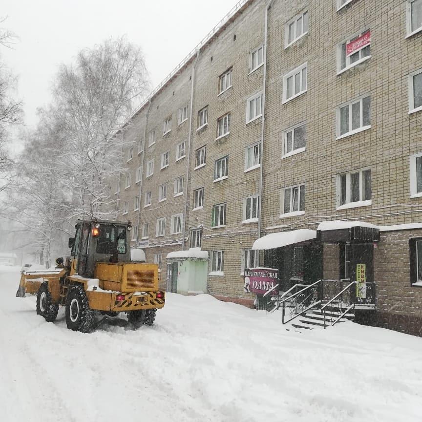 Ртищевские коммунальщики справляются с последствиями снегопада