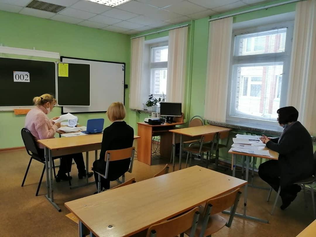 Девятиклассники Ртищевского района сегодня сдали первый экзамен