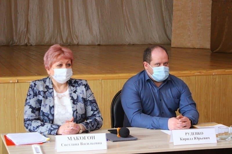 Глава района встретилась с жителями Октябрьского МО