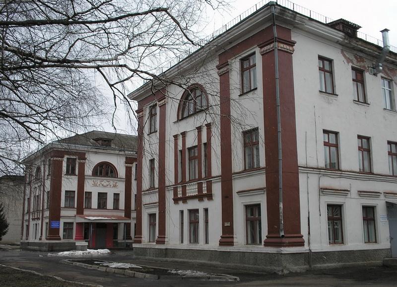 Ртищевская больница задолжала 55 тысяч рублей по контрактам