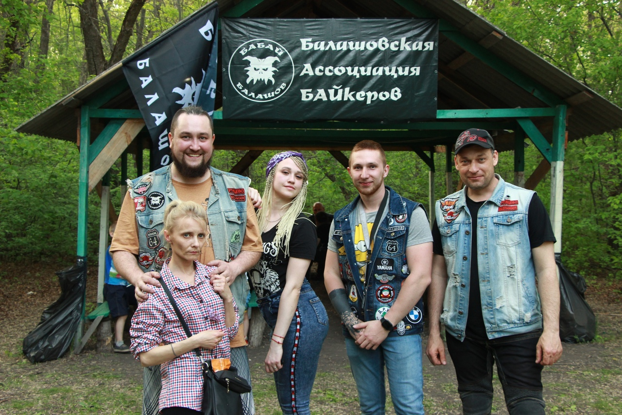 Ртищевские байкеры открыли мотосезон в Международный день семьи