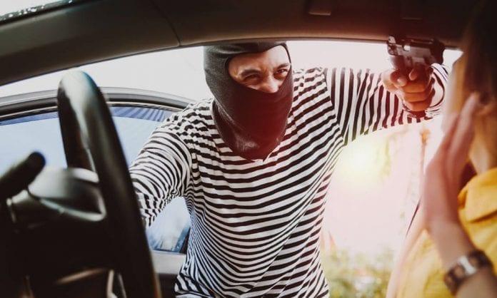 Водитель иномарки стал жертвой разбойного нападения