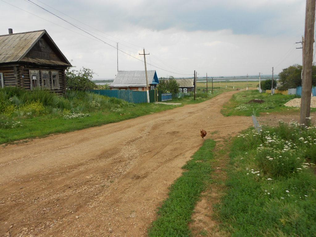 Миллиард рублей направят на сельские дороги в Саратовской области