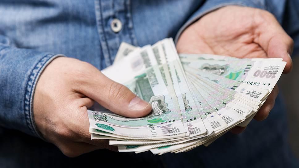 По темпам роста средней зарплаты Саратовская область занимает 4 место в ПФО