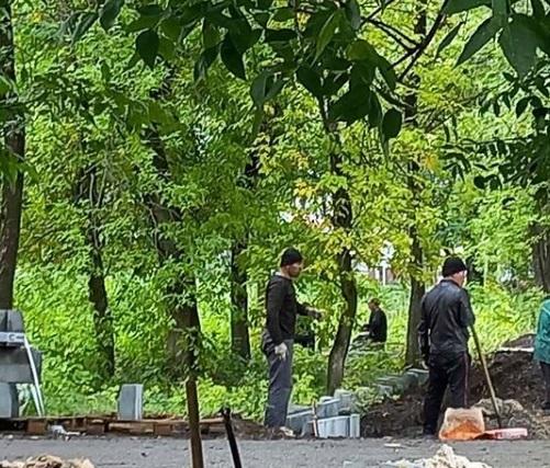 В Ртищеве продолжается ремонт тротуаров