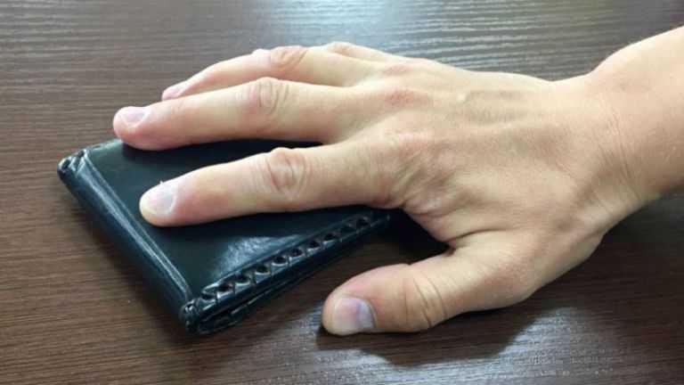 Пьяный ртищевец украл кошелек с деньгами их чужого дома